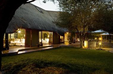 Mushara lodge   namibie etosha   exterieur lodge listing