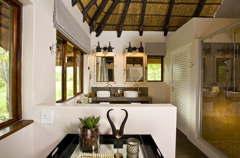 Mushara Lodge, parc d'Etosha, Namibie, salle de bains