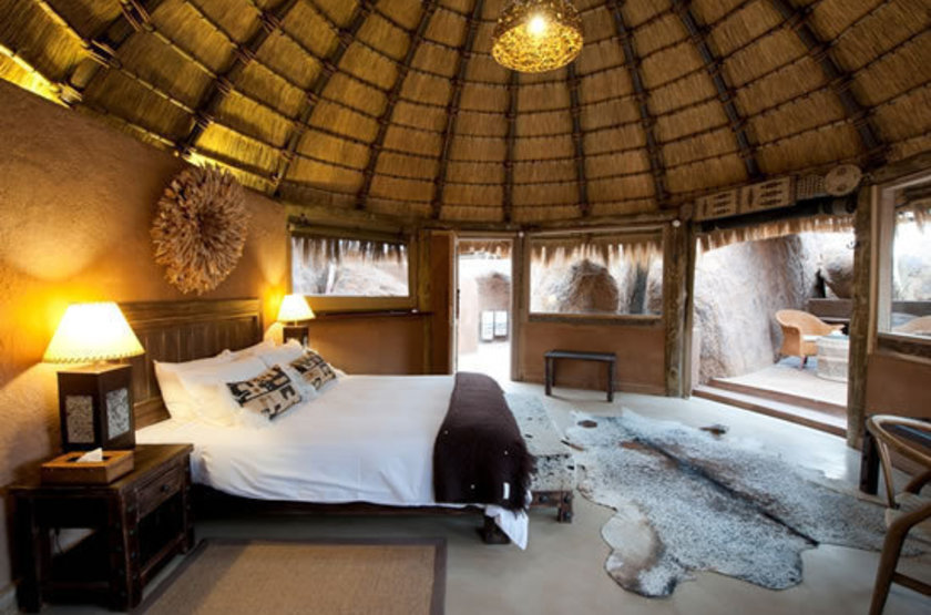 Mowani mountain lodge   namibie damaraland   interieur habitation slideshow