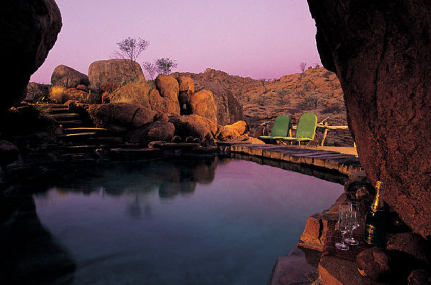 Mowani mountain lodge   namibie damaraland   piscine slideshow