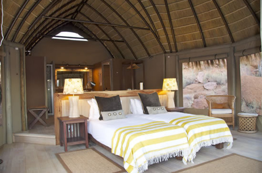 Mowani mountain lodge   namibie damaraland   interieur habitation2 slideshow