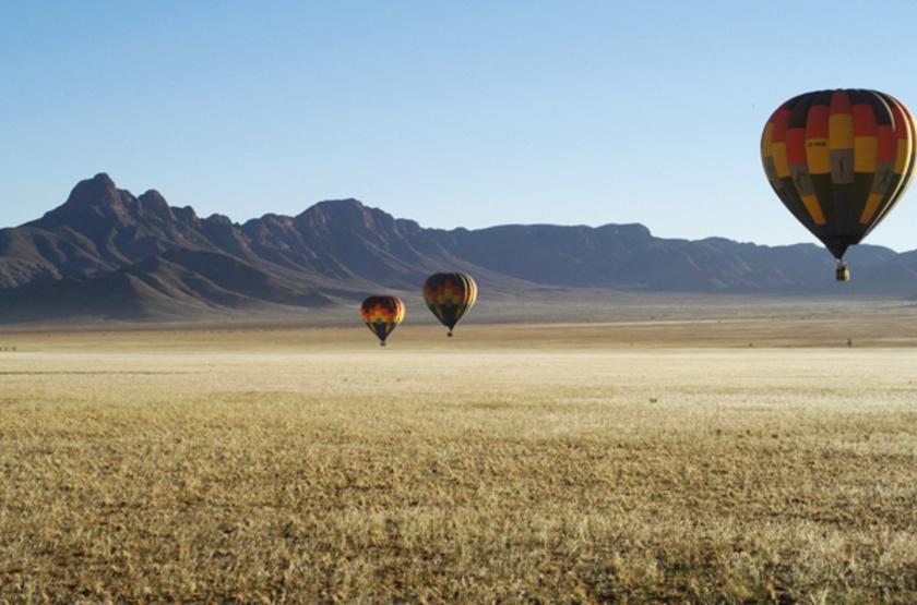 Sossusvlei Lodge, Namibie, survol en montgolfière