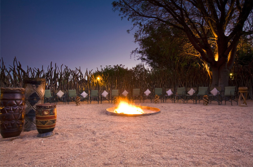 Okonjima Plains Camp, Namibie, camp fire