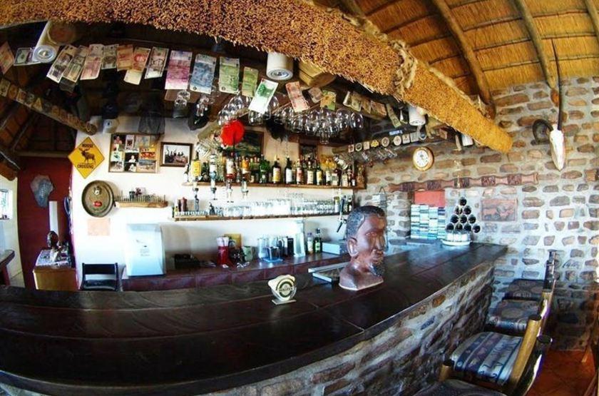 Outeniqua guest farm   namibie okahandja   bar slideshow