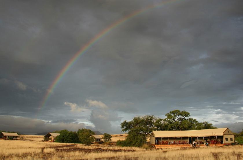 Palmwag desert rhino camp   namibie damaraland    camp slideshow