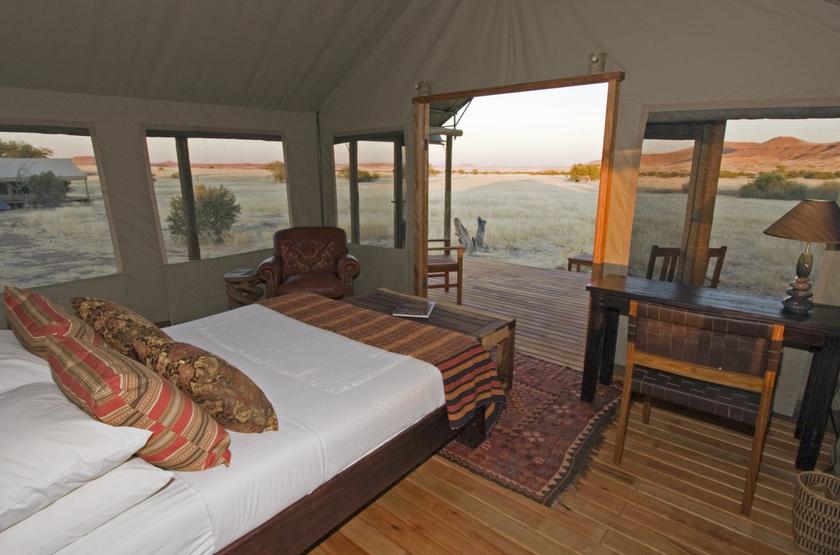 Palmwag desert rhino camp   namibie damaraland   tent int mb slideshow