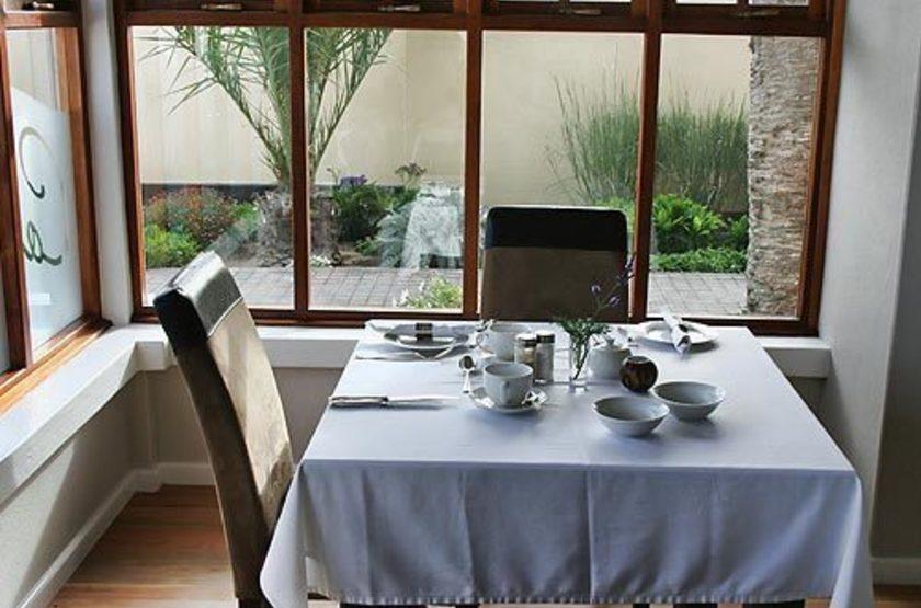 Cornerstone guesthouse   namibie swakopmund   restaurant slideshow