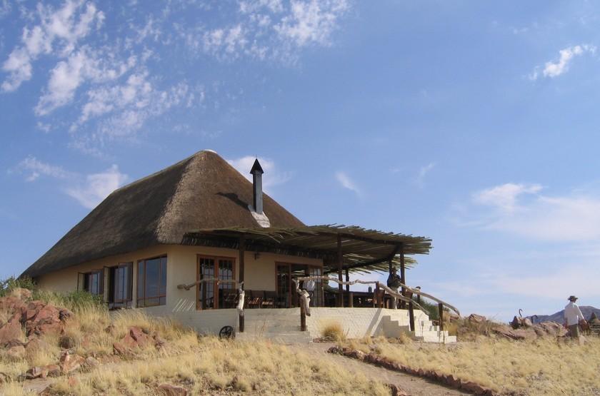 Desert homestead   namibie  desert du namib   chalet1 slideshow
