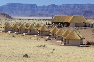 Desert homestead   namibie  desert du namib   vue des chalets listing