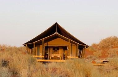 Wolwedans dune camp   namibie namib desert namib rand   exterieur tente listing