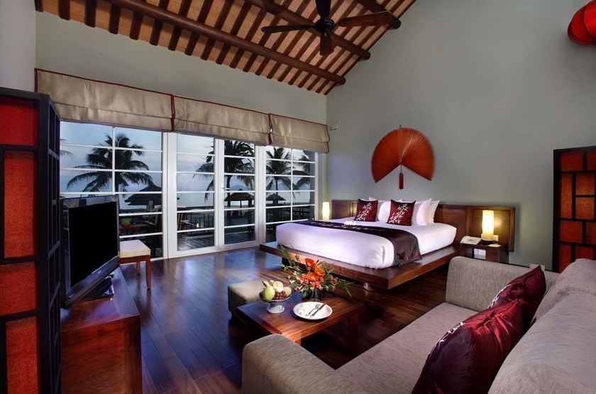 Victoria hoi anh resort   hoi anh   int rieur suite slideshow