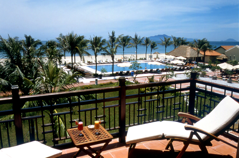 Vietnam   victoria hoi an resort terrace pool and beach slideshow