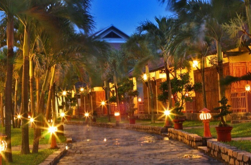 Hoi an beach   hoi an   all e de nuit slideshow