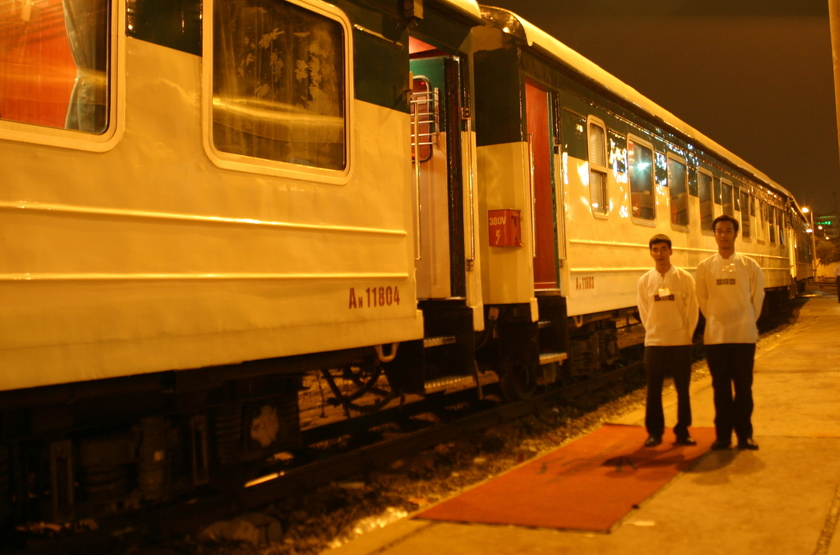 Victoria train   vietnam   victoria express train slideshow