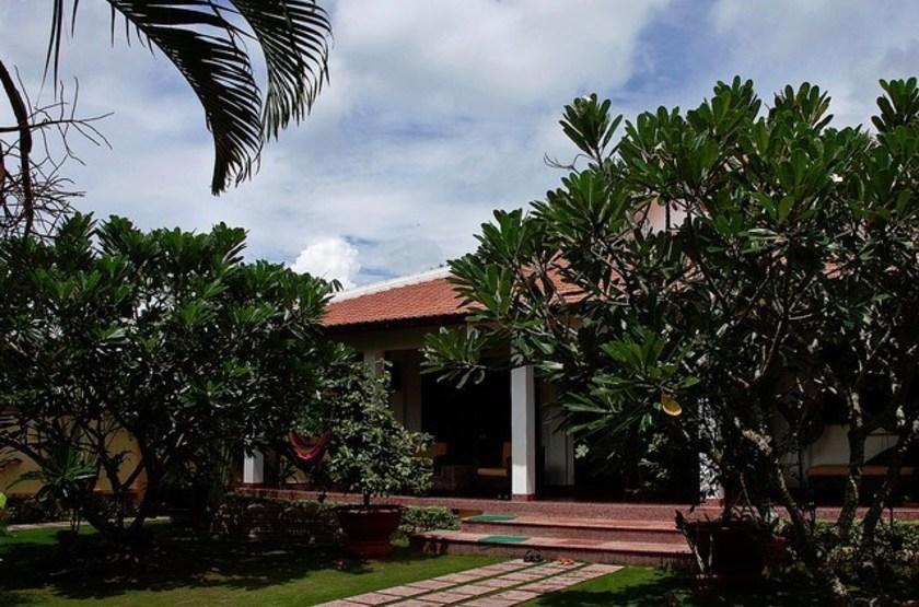 Villa Balny, My Tho, Vietnam, entrée