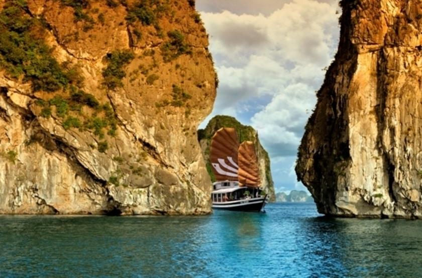 Jonque bhaya   vietnam halong   legend 1 1 slideshow