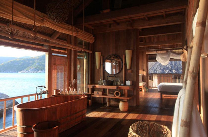 An lam ninh bay villas   vietnam nha trang   salle de bain water villa slideshow
