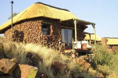 Grootberg lodge   namibie huab river   bungalow listing