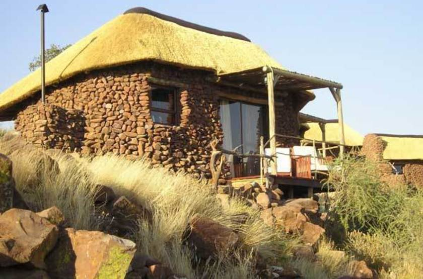 Grootberg lodge   namibie huab river   bungalow slideshow