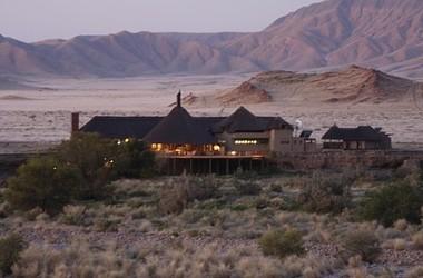 Hoodia desert camp   namibie sossusvlei   vue d ensemble listing