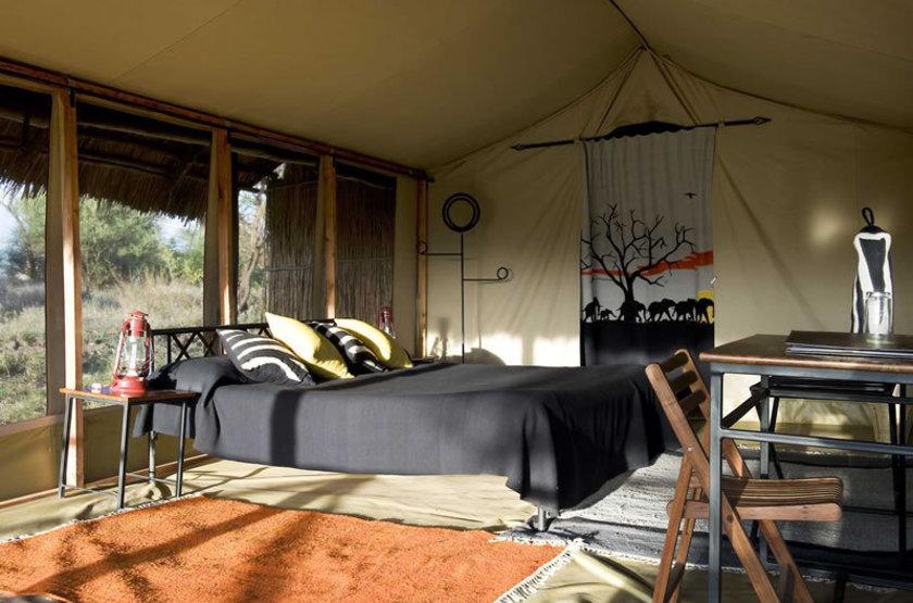 Kambi ya tembo west kilimanjaro tanzania   tente interieur slideshow