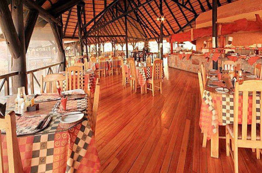 Twyfelfontein country lodge   damarland namibie   restaurant slideshow