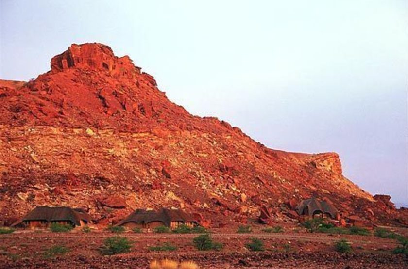 Twyfelfontein country lodge   damarland namibie   chalets slideshow