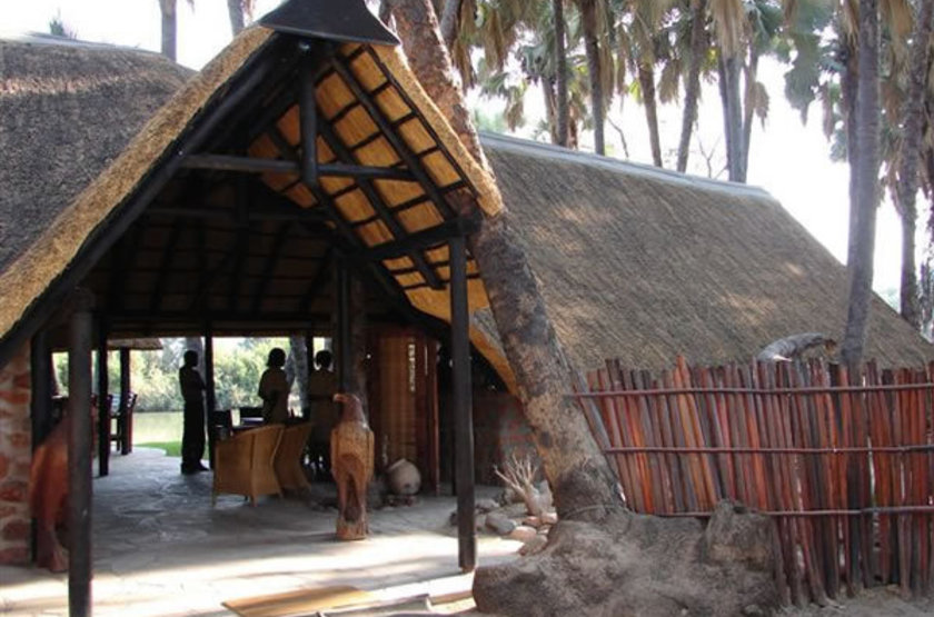 Omarunga camp   epupa falls koakoland namibie   entree slideshow
