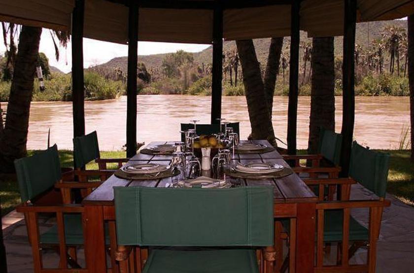 Omarunga camp   epupa falls koakoland namibie   vue de la restaurant slideshow