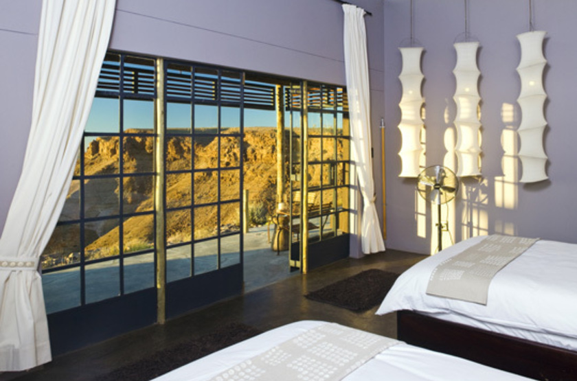 Fish river lodge   namibie  fish river   chambre interieure slideshow