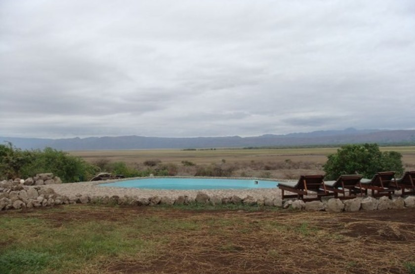 Losirwa camp   manyara tanzanie   piscine et paysage slideshow