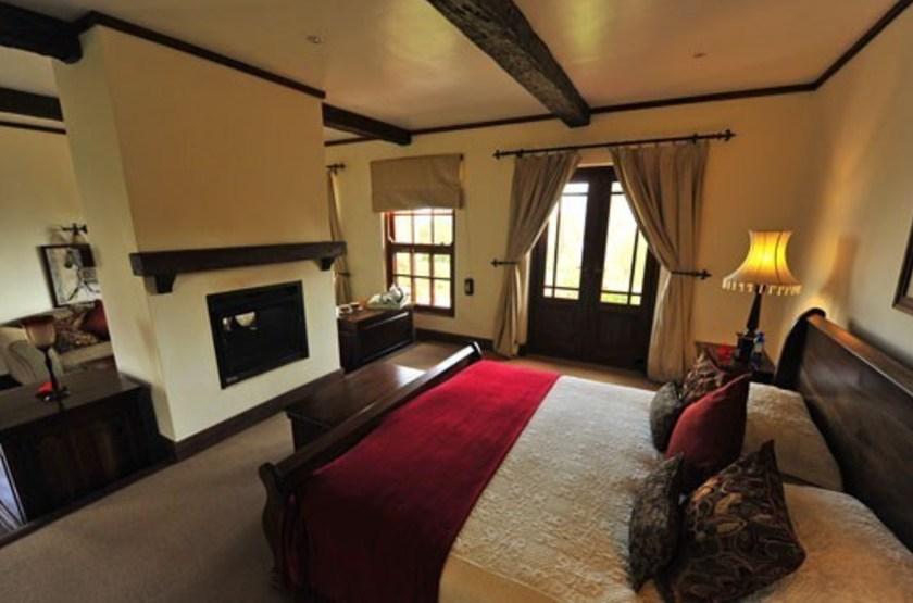 The manor   karatu tanzanie   interieur chambre standard slideshow
