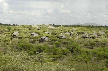 Serena lodge   serengeti tanzanie   vue d ensemble2 listing