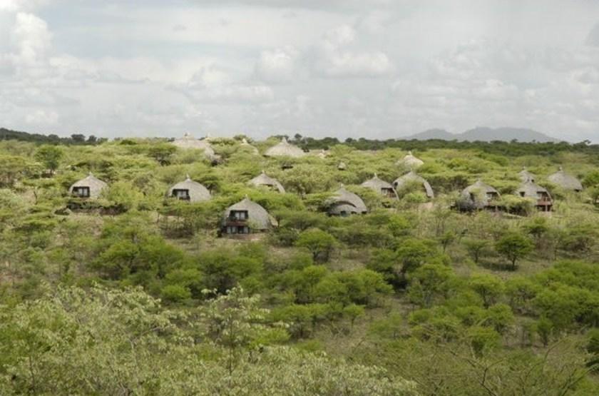Serena lodge   serengeti tanzanie   vue d ensemble2 slideshow