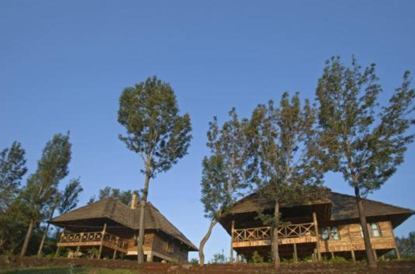 Exploreans ngorongoro lodge  ngorongoro tanzanie   chalets slideshow