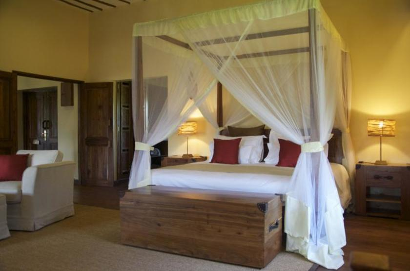 Exploreans ngorongoro lodge  ngorongoro tanzanie   chambre interieur slideshow