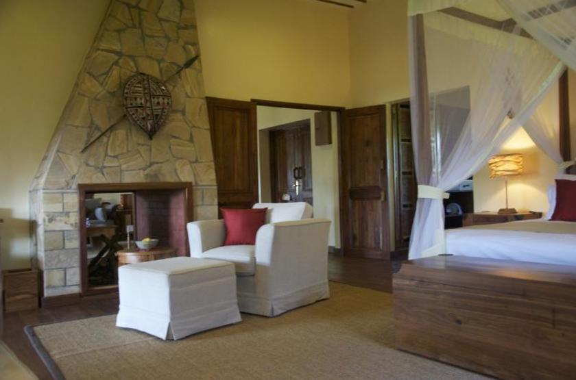 Exploreans ngorongoro lodge  ngorongoro tanzanie   chambre interieur2 slideshow