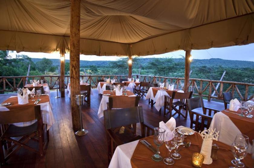 Exploreans ngorongoro lodge  ngorongoro tanzanie   restaurant slideshow
