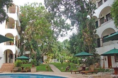 Meson del marques   valladolid mexique   piscine et jardin listing