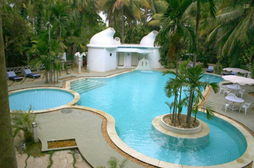 Parisutham h tel   tanjore inde   piscine slideshow