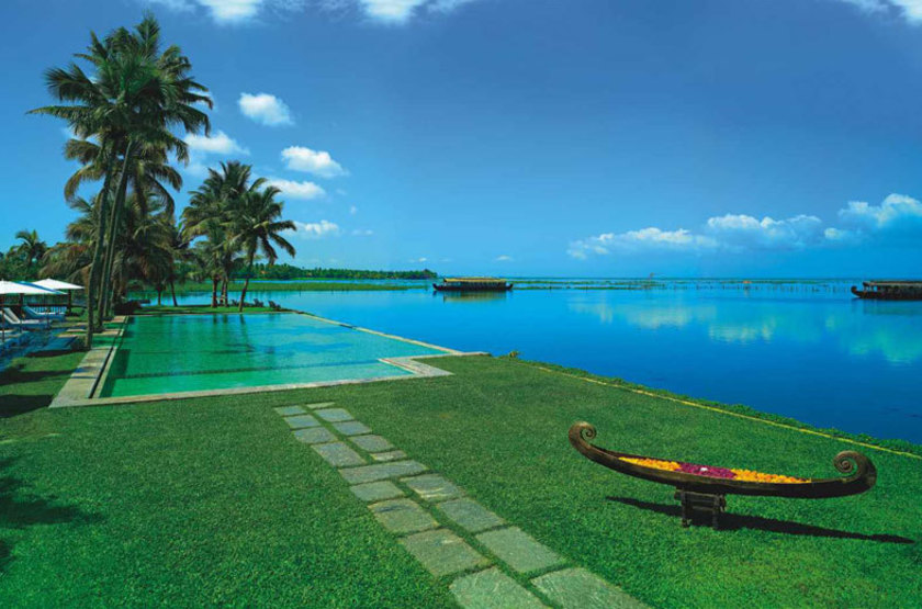 Kumarakom lake resort   kumarakom inde   piscine slideshow
