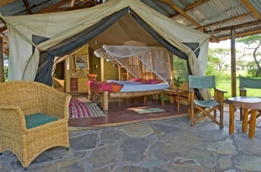 Ikoma bush camp   exterieur tente slideshow