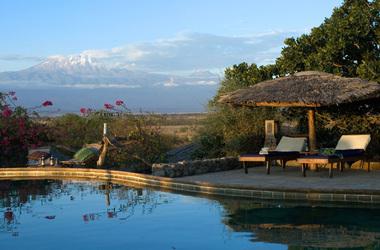 Kia lodge   arusha tanzanie   piscine et vue kilimanjaro listing
