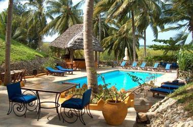 Kinasi lodge   mafia island tanzanie   piscine listing