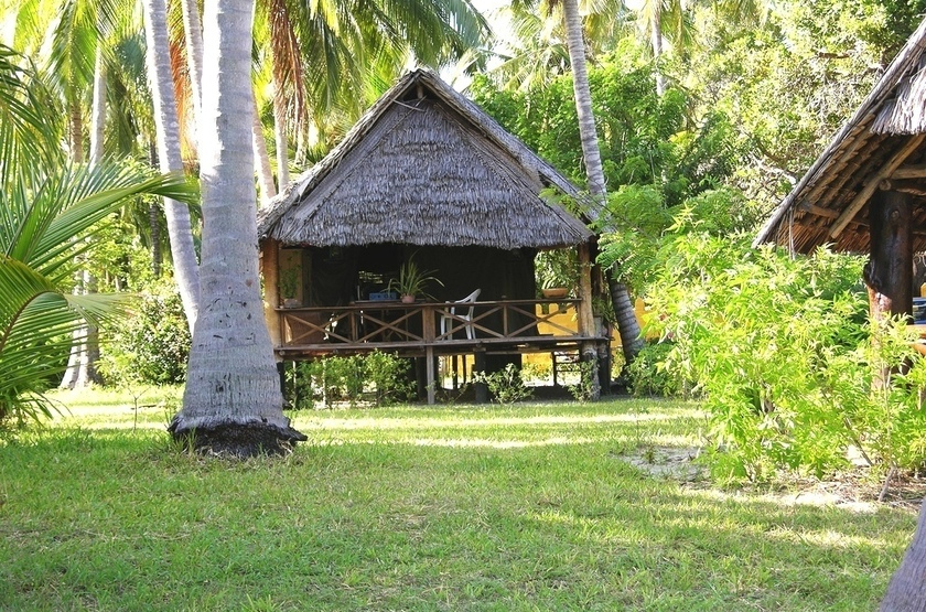 Kinasi lodge bungalow slideshow