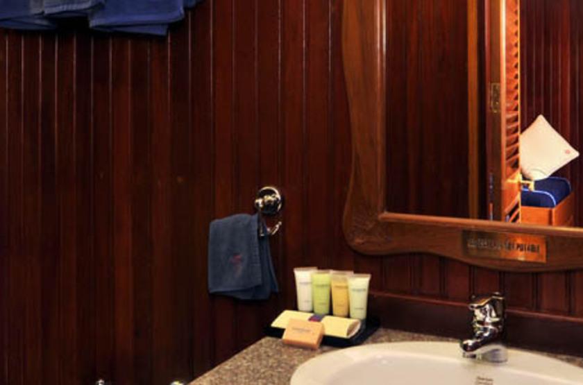 RV Bengal Ganga, Inde, salle de bains