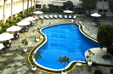 Claridge s hotel   new delhi inde   piscine listing