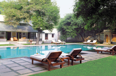 Usha kiran palace taj   gwalior inde   piscine listing