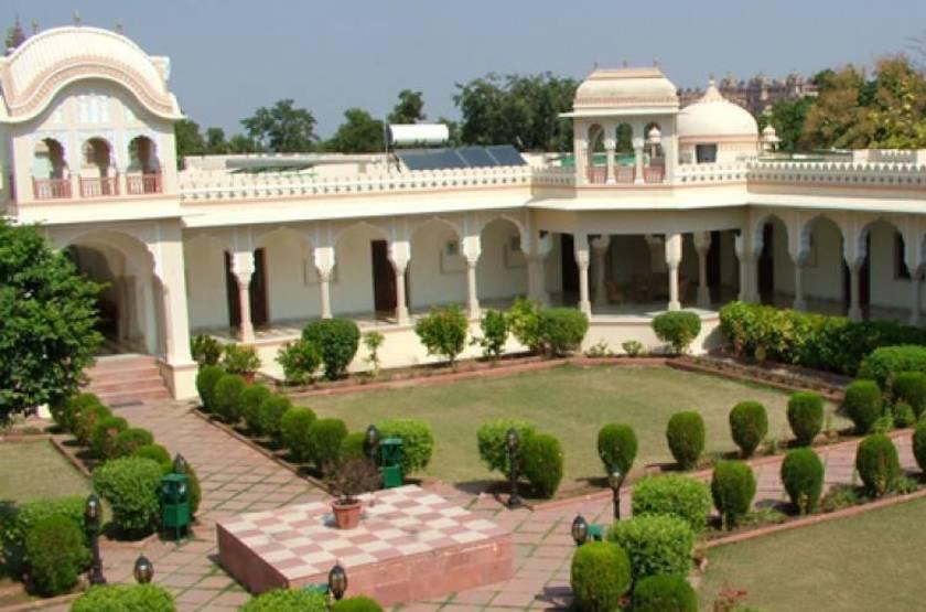 Amar mahal   orchha inde  exterior slideshow