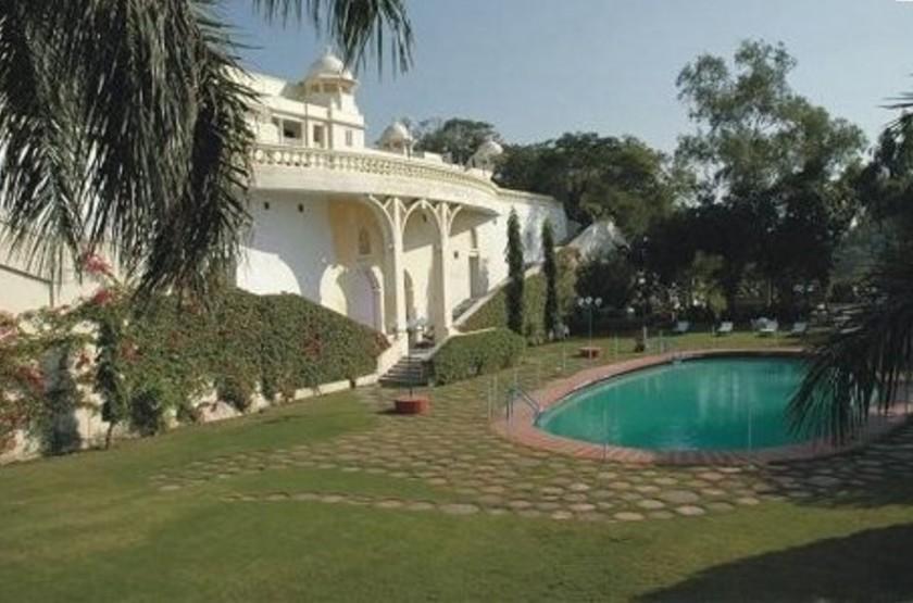 The Lalit Laxmi Vilas Palace, Udaipur, Inde, piscine